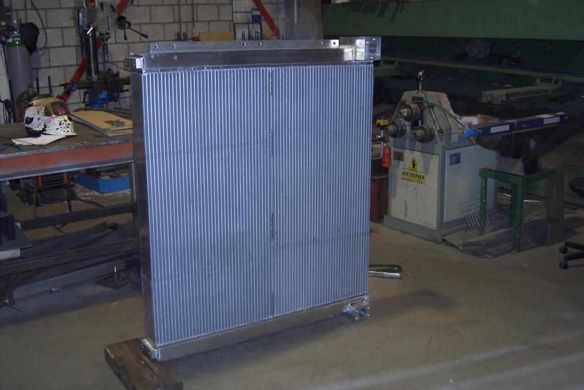 Cat 385 olie koeler - oil cooler - 385B 385C 390D